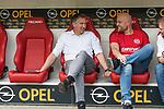 12.05.2018, OPEL Arena, Mainz, GER, 1.FBL, 1. FSV Mainz 05 vs SV Werder Bremen<br /> <br /> im Bild<br /> Frank Baumann (Gesch&auml;ftsf&uuml;hrer Fu&szlig;ball Werder Bremen) im Gesrp&auml;ch mit Rouven Schr&ouml;der / Schroeder (Sportvorstand 1. FSV Mainz 05), <br /> <br /> Foto &copy; nordphoto / Ewert