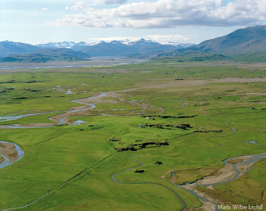 Bær í Lóni,  seð til norðvesturs, Bæjarhreppur.Baer in Lon, Baejarhreppur. View northwest,