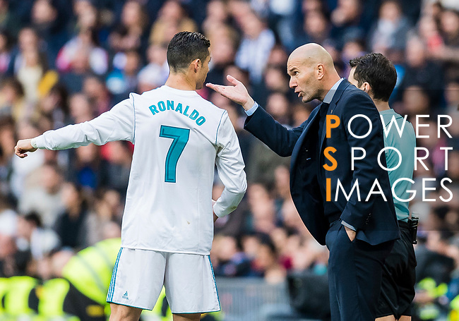 Manager Zinedine Zidane (r) of Real Madrid reacts and talks with Cristiano Ronaldo of Real Madrid during the La Liga 2017-18 match between Real Madrid and Sevilla FC at Santiago Bernabeu Stadium on 09 December 2017 in Madrid, Spain. Photo by Diego Souto / Power Sport Images