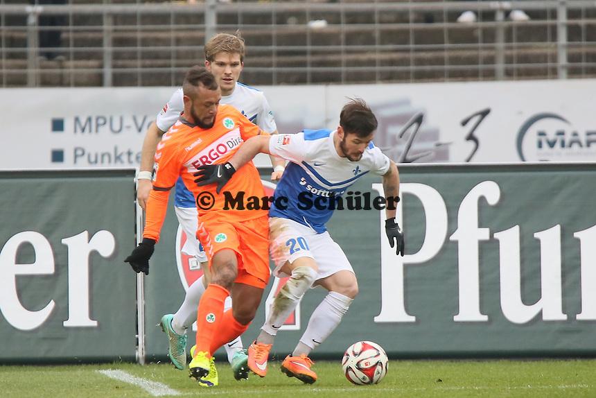 Stephan Schroeck (Fuerth) gegen Marcel Heller (SV98)  - SV Darmstadt 98 vs. SpVgg. Greuther Fuerth, Stadion am Boellenfalltor
