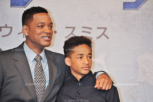 "Will Smith, Jaden Smith, May 2, 2013 :  Tokyo, Japan : Actor Will Smith(L) and Jaden Smith attend the press conference for the film ""After Earth"" in Tokyo, Japan on May 2, 2013. (Photo by AFLO)"