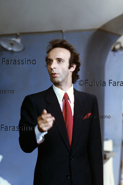 Roma, Cinecittà,1991 , Roberto Benigni sul set del film Johnny Stecchino,Roma, Cinecittà,1991, Roberto Benigni on Johnny Stecchino movie set