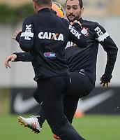 SÃO PAULO,SP, 26 julho 2013 -  Danilo  durante treino do Corinthians no CT Joaquim Grava na zona leste de Sao Paulo, onde o time se prepara  para para enfrentar o Sao Paulo pelo campeonato brasileiro . FOTO ALAN MORICI - BRAZIL FOTO PRESS
