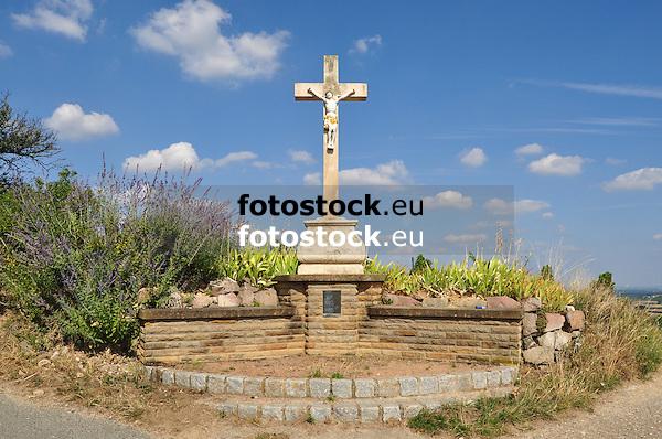 Klepperkreuz in den Weinbergen bei Gau-Bischofsheim