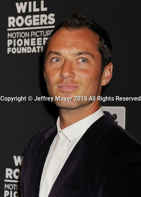 LAS VEGAS, NV - April 22: Actor Jude Law attends the Pioneer Dinner during 2015 CinemaCon at Caesars Palace on April 22, 2015 in Las Vegas, Nevada.