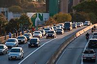 SÃO PAULO-SP-01,09,2014-TRÂNSITO/AVENIDA REBOUÇAS - O motorista encontra lentidão Avenida Rebouças sentido centro. Região Oeste da cidade de São Paulo,na tarde dessa segunda-feira,01(Foto:Kevin David/Brazil Photo Press)