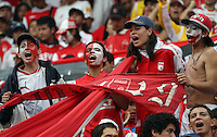 "BOGOTA-COLOMBIA-ENERO 27: Hinchas de Santa Fe animan a su equipo durante juego por la SuperLiga de Campeones, en el estadio Nemesio Camacho ""El Campin"" en la ciudad de Bogotá, enero 27 de 2013, (Foto/VizzorImage / Felipe Caicedo / Staff). Supportes of Santa Fe cheer their team during a match For the Champions Super League at the Nemesio Camacho ""El Campin"" stadium in Bogota city, on January 24, 2013 (Photo: VizzorImage  / Felipe Caicedo / Staff)"