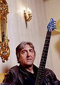 ALLAN HOLDSWORTH - Paris France - 2005.  Photo credit: Eric Morere/Dalle/IconicPix