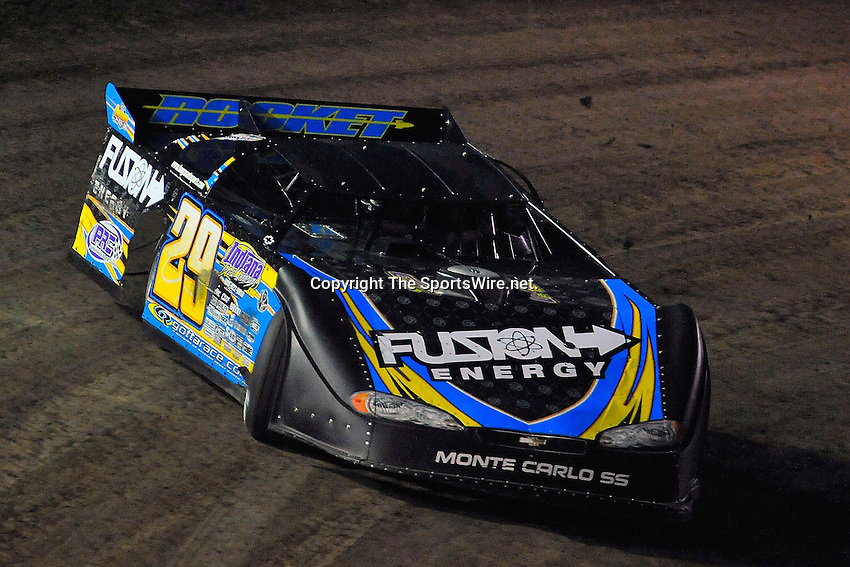 Feb 14, 2009; 6:35:18 PM; Barberville, FL, USA; World of Outlaws Late Model Series for the $10,000 to win at Volusia Speedway Park.  Mandatory Credit: (thesportswire.net)