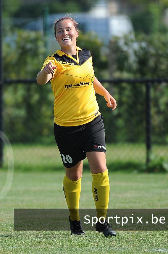 20160827 - ZWEVEZELE , BELGIUM : Zwevezele's Celien Vandekerckhove celebrates her opening goal during the soccer match  in the 2nd round of the  Belgian cup 2017 , a soccer women game between SK Voorwaarts Zwevezele and RC Genk Ladies  , in Zwevezele , saturday 27 th August 2016 . PHOTO SPORTPIX.BE / DIRK VUYLSTEKE