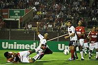 ATENÇÃO EDITOR: FOTO EMBARGADA PARA VEÍCULOS INTERNACIONAIS SÃO PAULO,SP,04 NOVEMBRO 2012 - CAMPEONATO BRASILEIRO - PORTUGUESA x BAHIA - Souza jogador do Bahia durante partida Portuguesa x Bahia válido pela 34º rodada do Campeonato Brasileiro no Estádio Doutor Osvaldo Teixeira Duarte (Canindé), na região norte da capital paulista na noite deste domingo (04).(FOTO: ALE VIANNA -BRAZIL PHOTO PRESS).