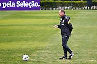 ATENÇÃO EDITOR: FOTO EMBARGADA PARA VEÍCULOS INTERNACIONAIS - COTIA,SP,04 SETEMBRO 2012 - TREINO SELEÇÃO BRASILEIRA - durante treino da seleção brasileira na tarde de hoje no CT do São Paulo em Cotia.FOTO ALE VIANNA - BRAZIL PHOTO PRESS.