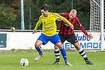 2015-10-25 / Voetbal / seizoen 2015-2016 / Schilde - Ternesse / Thomas Dons (L. Schilde) met Thomas Stevens