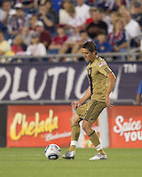 Philadelphia Union midfielder Kyle Nakazawa (13) passes the ball. The Philadelphia Union defeated New England Revolution, 2-1, at Gillette Stadium on August 28, 2010.