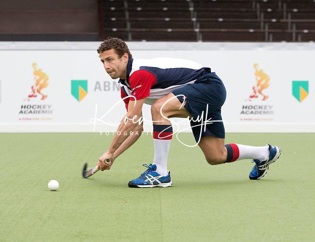 AMSTELVEEN - Santi Freixa voor de Hockey Academie. FOTO KOEN SUYK