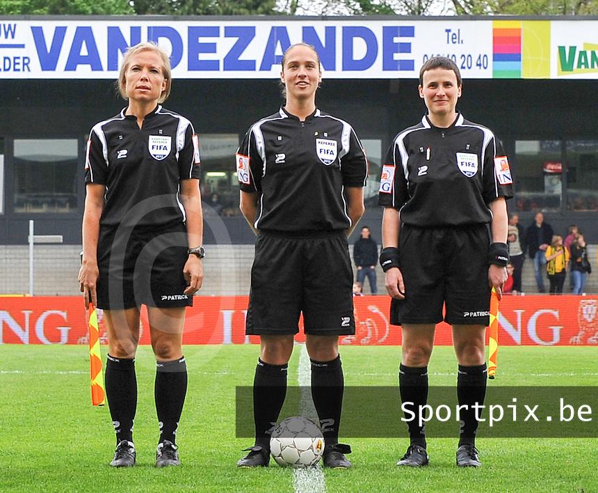 Bekerfinale 2012 : WD Lierse SK - Standard Femina :.Scheidsrechter: Sharon Sluyts.Assistent-Scheidsrechters: Ella De Vries en Anne Cheron.foto David Catry / Joke Vuylsteke / Vrouwenteam.be