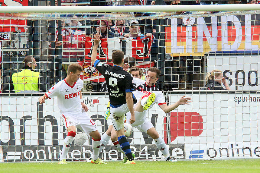Edmond Kapllani (FSV) mit der großen Chance gegen Roman Golobart (Koeln) - FSV Frankfurt vs. 1. FC Koeln, Frankfurter Volksbank Stadion