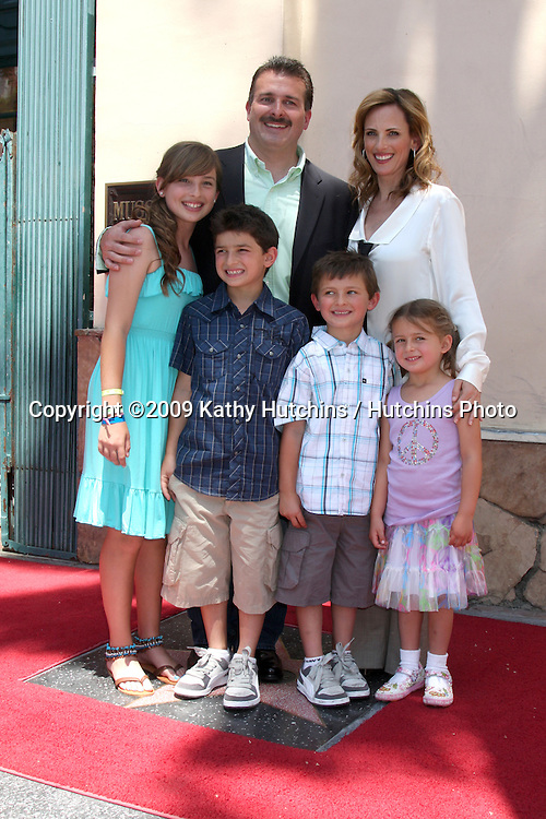 Marlee Matlin & Husband Kevin Grandalski   , with children Brandon Joseph, born September 12, 2000 and Tyler Daniel, born July 18, 2002. Daughters; Sara Rose, born January 19, 1996 and Isabelle Jane, born December 26, 2003 attending the Hollywood Walk of Fame Ceremony for Marlee Matlin on Hollywood Boulevard in Los Angeles, CA  on May 6, 2009.©2009 Kathy Hutchins / Hutchins Photo....                .