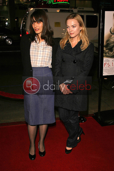Shannyn Sossamon and Sophia Myles<br />at the World Premiere of &quot;P.S. I Love You&quot;. Grauman's Chinese Theatre, Hollywood, CA. 12-09-07<br />Dave Edwards/DailyCeleb.com 818-249-4998
