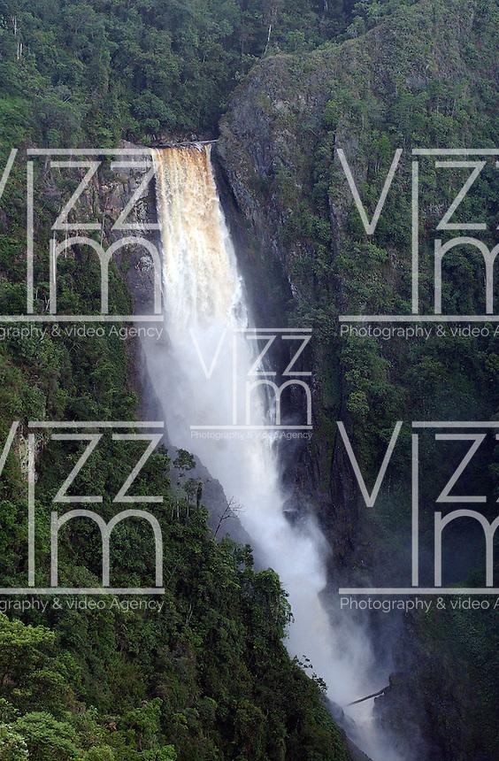 HUILA-COLOMBIA-21-01-2013.Salto de Bordones , Bordones fall ,waterfall Bordones .Photo: VizzorImage/Felipe Caicedo.