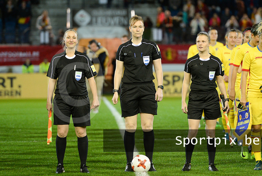20171020 - LEUVEN , BELGIUM : Norwegian referees pictured with Elisabeth Thoresen (r) , Marte Soro and Monica Lokkeberg (l) during the female soccer game between the Belgian Red Flames and Romania , the second game in the qualificaton for the World Championship qualification round in group 6 for France 2019, Friday 20 th October 2017 at OHL Stadion Den Dreef in Leuven , Belgium. PHOTO SPORTPIX.BE | DAVID CATRY
