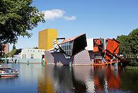 Groningen. Het Groninger Museum. Het museum is een ontwerp van Alessandro Mendini