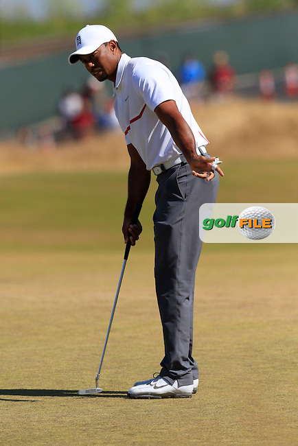 Tiger WOODS (USA) takes his putt on the 16th green during Friday's Round 2 of the 2015 U.S. Open 115th National Championship held at Chambers Bay, Seattle, Washington, USA. 6/19/2015.<br /> Picture: Golffile | Eoin Clarke<br /> <br /> <br /> <br /> <br /> All photo usage must carry mandatory copyright credit (&copy; Golffile | Eoin Clarke)