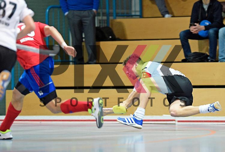 GER - Mannheim, Germany, November 28: During the 1. Bundesliga Sued Herren indoor hockey match between Mannheimer HC (red) and TG Frankenthal (white) on November 28, 2015 at Irma-Roechling-Halle in Mannheim, Germany. Final score 7-7 (HT 3-3).  Timo Schmietenknop #17 of TG Frankenthal<br /> <br /> Foto &copy; PIX-Sportfotos *** Foto ist honorarpflichtig! *** Auf Anfrage in hoeherer Qualitaet/Aufloesung. Belegexemplar erbeten. Veroeffentlichung ausschliesslich fuer journalistisch-publizistische Zwecke. For editorial use only.