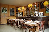 Cafe de l'Esperance, Boutenac, Entre deux Mers Bordeaux, France