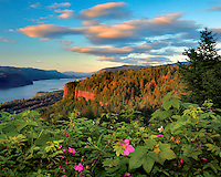 Vista House on Crown Point in Columbia River Gorge National Scenic, Oregon