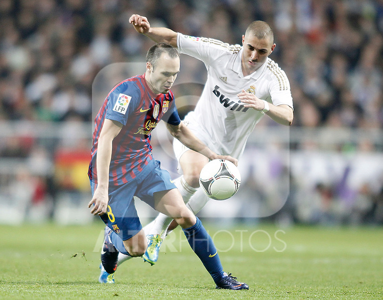 Real Madrid's Karim Benzema against Barcelona's Andres Iniesta during King's Cup Match. January 18, 2012. (ALTERPHOTOS/Alvaro Hernandez)