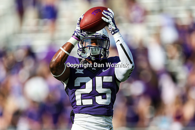 TCU Horned Frogs safety Michael Downing (25) in action during the game between the Samford Bulldogs and the TCU Horned Frogs at the Amon G. Carter Stadium in Fort Worth, Texas.  TCU leads Stamford 24 to 7 at halftime.