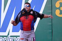 Juan Pablo Oramas de spiderman,durante el tercer juego de la serie de el partido Naranjeros de Hermosillo vs venados de Mazatlan Sonora en el Estadio Sonora. 10 noviembre 2013. Liga Mexicana del Pacifico (MLP)