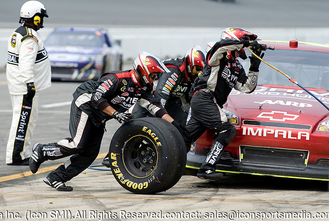 June 19, 2011. Jeff Gordon's pit crew in action during the Heluva Good! Sour Cream Dips 400 NASCAR Sprint Cup Series Race at Michigan International Speedway in Brooklyn, MI.
