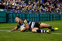 Matt Banahan of Bath Rugby dives for the try-line. West Country Challenge Cup match, between Bath Rugby and Exeter Chiefs on October 10, 2015 at the Recreation Ground in Bath, England. Photo by: Patrick Khachfe / Onside Images