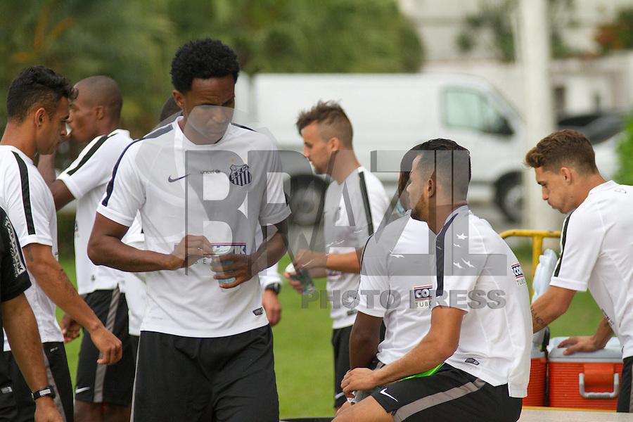 SANTOS, SP, 14.10.2015 - FUTEBOL-SANTOS - Geuvânio, jogador do Santos durante sessão de treinamento no Centro de Treinamento Rei Pelé nesta quarta-feira, 14. (Foto: Flavio Hopp/Brazil Photo Press)