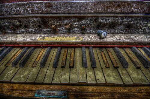 Old organ keyboard in the doctors house