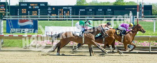 Gallant Lover winning at Delaware Park on 5/4/10
