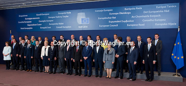 Brussels, Belgium -- July 16, 2014 -- European Council, EU-summit, meeting of Heads of State / Government to decide on the agenda and the composition of the new EU-Commission; here, family photo -- Photo: © HorstWagner.eu