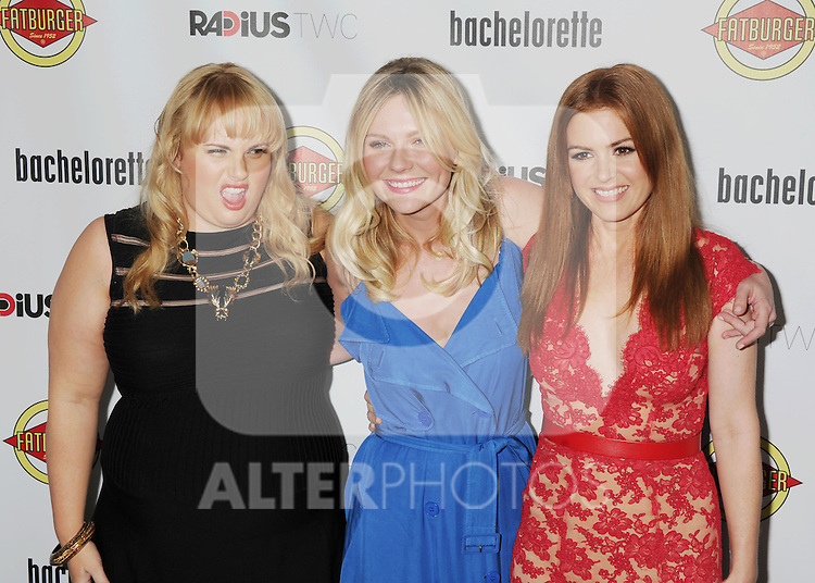 HOLLYWOOD, CA - AUGUST 23: Rebel Wilson, Kirsten Dunst and Isla Fisher arrive at the Los Angeles premiere of 'Bachelorette' at the Arclight Hollywood on August 23, 2012 in Hollywood, California. /NortePhoto.com.... **CREDITO*OBLIGATORIO** *No*Venta*A*Terceros*..*No*Sale*So*third* ***No*Se*Permite*Hacer Archivo***No*Sale*So*third*