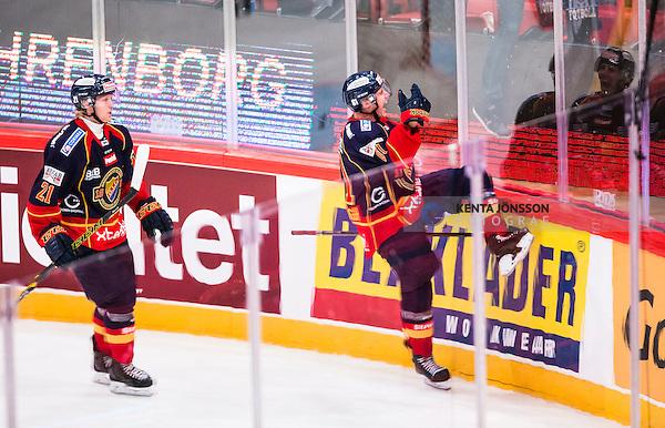 Stockholm 2014-09-17 Ishockey SHL Djurg&aring;rdens IF - Leksands IF :  <br /> Djurg&aring;rdens Markus Ljungh  jublar med Nicklas Heiner&ouml; efter sitt 4-0 m&aring;l<br /> (Foto: Kenta J&ouml;nsson) Nyckelord:  Djurg&aring;rden DIF Hockey Globen Ericsson Globe Arena SHL Leksand LIF jubel gl&auml;dje lycka glad happy