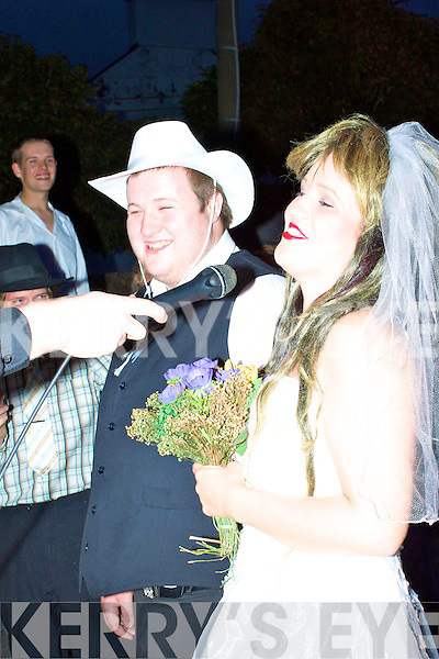 The groom Daniel O'Riordan and his bride Stephanie O'Shea who were up for a laugh at the mock wedding to help raise funds for Aaron McCarthy.