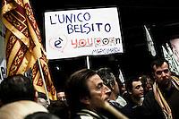 Bergamo 10-04-2012: militanti della Lega Nord partecipano alla «Serata dell'orgoglio leghista», dopo lo scandalo  dell'inchiesta sui fondi della Lega...Bergamo 10-04-2012: Northern League supporters attend the Padania Pride political convention