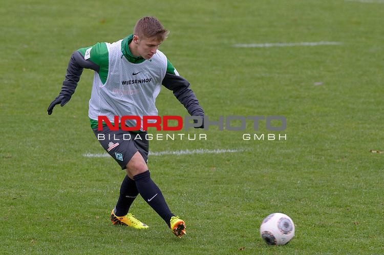 28.11.2013, Trainingsgelaende, Bremen, GER, 1.FBL, Training Werder Bremen, im Bild Martin Kobylanski (Bremen #33)<br /> <br /> Foto &copy; nph / Frisch
