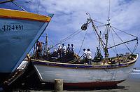 Amérique/Amérique du Sud/Pérou/Env de Chiclayo/Santa Rosa : Retour d'un bateau de pêche
