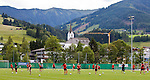 15.06.2011, Steinbergstadion, Leogang, AUT, FIFA WOMENS WORLDCUP 2011, PREPERATION, USA, im Bild viel Spaß hatten die US Fussball Damen beim ersten Training in Leogang während eines Trainings zur Vorbereitung auf die FIFA Damen Fussball Weltmeisterschaft 2011 in Deutschland // many Fun have the Ladies from US Soccer Team at the first Training in Leogang during a Trainingssession for the FIFA Women´s Worldcup 2011 in Germany, on 2011/06/15, Steinberg Stadium, Leogang, Austria, EXPA Pictures © 2011, PhotoCredit: EXPA/ J. Feichter