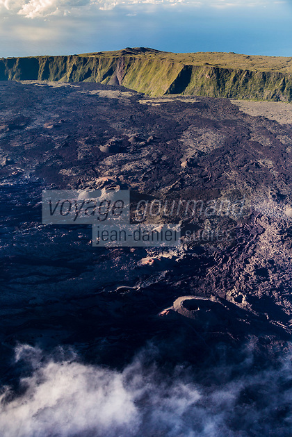 France, île de la Réunion, Parc national de La Réunion, classé Patrimoine Mondial de l'UNESCO, volcan du Piton de la Fournaise, l'Enclos Fouqué et le Formica Léo au pied du Pas de Bellecombe (vue aérienne) // France, Reunion island (French overseas department), Parc National de La Reunion (Reunion National Park), listed as World Heritage by UNESCO, Piton de la Fournaise volcano, the Enclos and Formica Leo at the foot of the Pas de Bellecombe (aerial view)