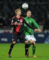 FUSSBALL   1. BUNDESLIGA   SAISON 2011/2012   19. SPIELTAG Werder Bremen - Bayer 04 Leverkusen                    28.01.2012 Stefan Kiessling (li, Bayer 04 Leverkusen) gegen Francois Affolter (re, Bremen)