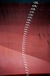 SCHIEDAM - Boeg van leeg schip gelegen aan de haven, komt gedeeltelijk boven water liggen. ANP PHOTO COPYRIGHT TON BORSBOOM