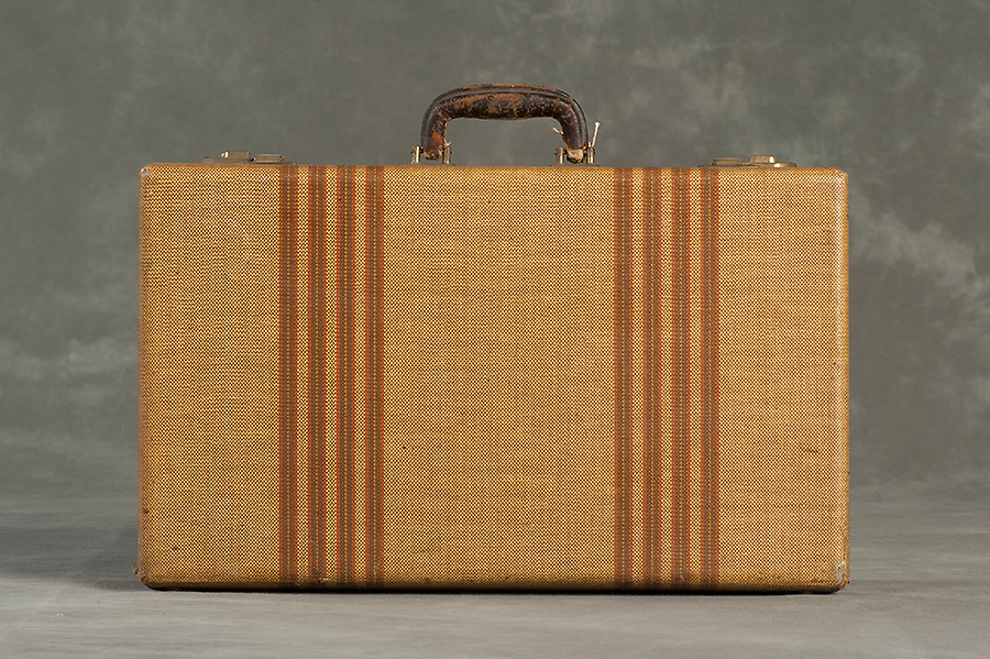 Willard Suitcases / Mary J H / ©2014 Jon Crispin